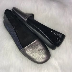 Aerosoles Two-Tone Black Silver Leather Flat Sz 8
